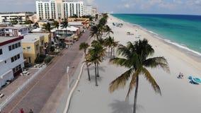Hollywood-Strandozeanpromenade nahe Miami, Florida Vogelperspektive stock video