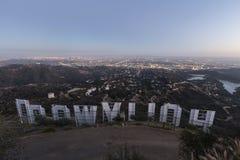 Hollywood teckenskymning royaltyfria foton