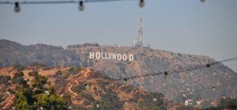Hollywood undertecknar i Hollywoodet Hills arkivfoto