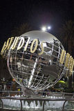 Hollywood USA, am 16. Juli 2014: Universal Studios-Zeichen nachts Stockfotos