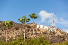 Hollywood-Zeichen auf einem blauen Himmel Stockfotos