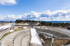 Holmenkollbakken é um grande monte do salto de esqui situado em Holmenko imagens de stock royalty free