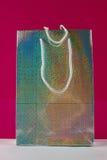Holograficzna prezent torba   Zdjęcia Royalty Free