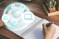 Hologram технологии в smartphone стоковое изображение