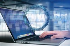 Hologram van wiel met een futuristische interface die van financiëngegevens wordt gemaakt Stock Afbeelding