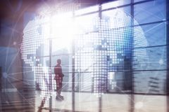 holograma de la tierra 3D en fondo borroso Concepto del negocio global y de la comunicación foto de archivo