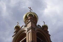 Holosievskaya Pustyn, Kiew Kyiv, Ukraine Klosterkloster, Kirche, Tempel des orange Ziegelsteines Lizenzfreie Stockfotos