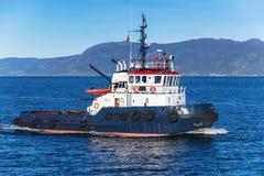 Holownik łódź trwająca Obrazy Stock
