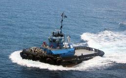 Holownik łódź w drodze pracować Obraz Royalty Free