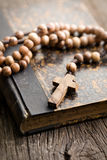 Holy bible and rosary beads Royalty Free Stock Photography