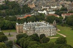 Holyrood slott på Augusti 30, 2013 i Edinburg. Holyrood slott, fotografering för bildbyråer