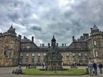 Holyroodhouse爱丁堡,苏格兰宫殿  免版税图库摄影