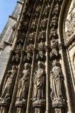 Holys på den huvudsakliga portalen på domkyrkan av vår dam i Antwerp Royaltyfria Bilder