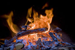 Holz auf Feuer Stockfotos