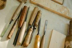 Holz, das Hilfsmittel schnitzt Stockfoto