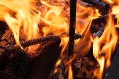 Holz im Feuer Lizenzfreies Stockbild