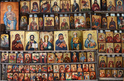 Holz machte orthodoxe religiöse Malereiikone, in im Stadtzentrum gelegenem Sofia, Bulgarien Stockfoto