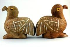 Holz mit zwei Vögeln Stockfotografie