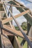 Holz und Kabel stockbild