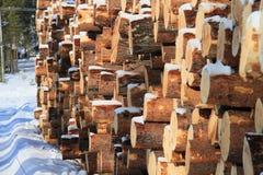 Holz verringert im ivalo Lappland Stockfotos