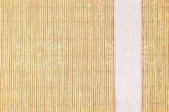 Holz, Weidenhintergrund mit rosa Band Stockfoto