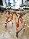 Holzbankschemel oder -sitz Stockbilder