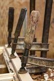 Holzbearbeitungrohrschellen lizenzfreies stockfoto