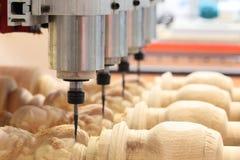 Holzbearbeitungspräge- und -kopienmaschine Stockbild