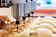 Holzbearbeitungspräge- und -kopienmaschine Lizenzfreies Stockfoto