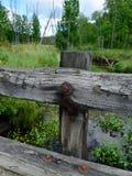 Holzbrücke über Strom Lizenzfreies Stockfoto