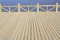 Holzbrücke Stockbild