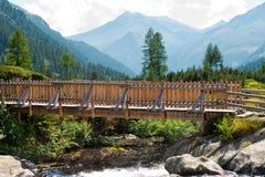 Holzbrücke - Adamello Trento Italien Stockfotografie