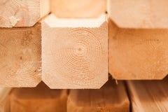 Holzen Sie industrielle hölzerne Beschaffenheit, Bauholzkolbenhintergrund ab Lizenzfreie Stockbilder
