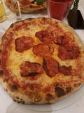 Holzer del pomodoro del formaggio del salame della pizza Fotografie Stock