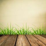 Holzfußboden mit Schmutzunschärfehintergrund Lizenzfreies Stockfoto