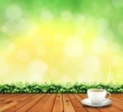Holzfußboden und Teeschale Lizenzfreie Stockfotografie