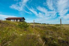 Holzhaus in der Natur Lizenzfreie Stockbilder