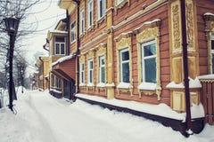 Holzhaus in Tomsk Stockbild