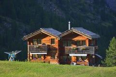 Holzhaus vom alten Dorf von Zermatt Lizenzfreies Stockfoto