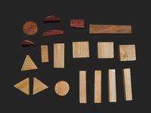 Holzklötze spielen auf Farbenreinheitsschlüsselhintergrund ohne Schatten lizenzfreies stockbild