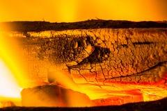 Holzkohlenfeuer Stockbild