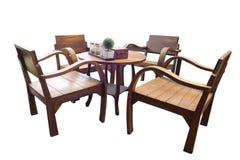 Holzmöbeltabelle und -stühle lokalisiert: Kaffeestube Stockfotos