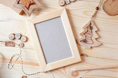 Holzrahmen Weihnachtsmodell, Fotografie auf Lager Planungsarbeitdarstellungen, für Bloggers und Social Media Lizenzfreies Stockfoto