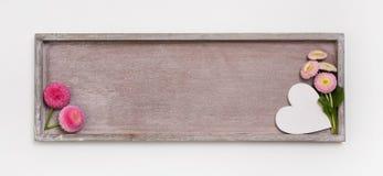 Holzschild für eine Hintergrund- oder Grußkarte mit einem Herzen und einem d Lizenzfreie Stockbilder