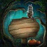 Holzschild im Halloween-Wald Stockfotos