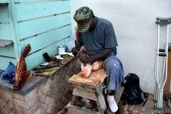 Holzschnitzerhandwerker Stockfoto