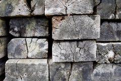 Holzschwellen von der Seite Stockfotografie
