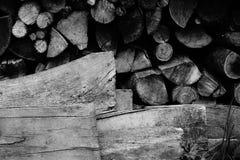 Holzstapel in Süd-Frankreich Stockbilder