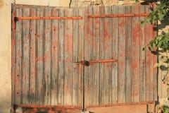 Holztür des alten Landes Stockbilder