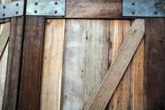 Holztür-Tapete Stockfotos